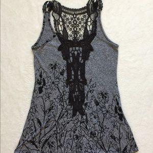 💥3/$15💥 Love Culture Grey Lace Tank